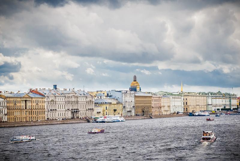 The Neva River flows through it.