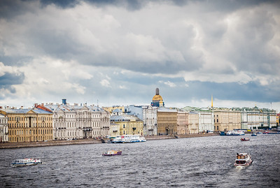 The Neva River flows through it.