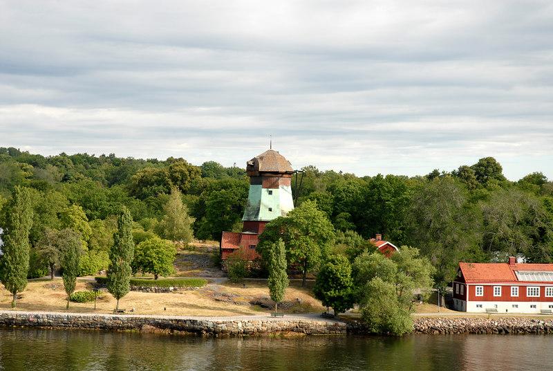 042 Stockholm harbor