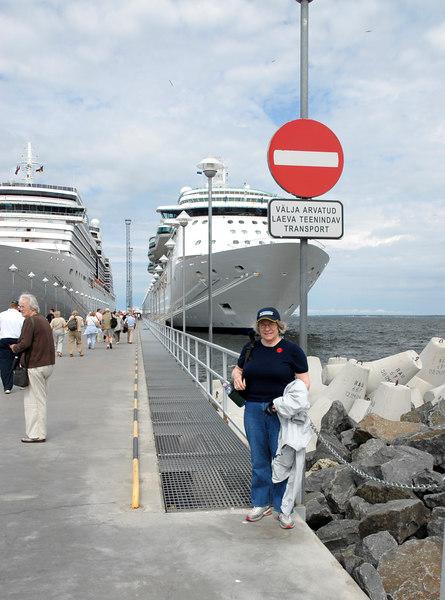 000 Judy and ships