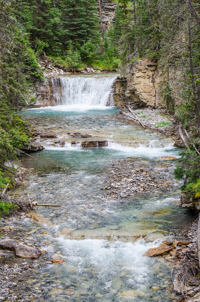 From the Johnston Canyon trail #banff #landscape #layers #d7000