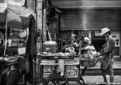 T-Max 100 - do you know the thai satay man?