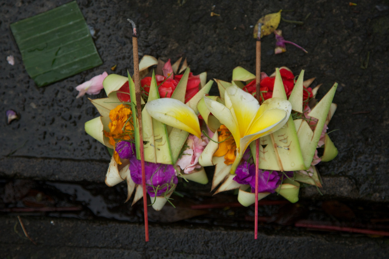 In Balinese Hinduism, offering canang sari appeases the spirits and brings prosperity and good health to the family.