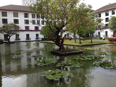 Sukhothai Hotel garden