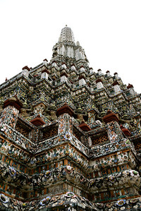 The magnificent Wat Arun or Temple of Dawn is one of the most recognisable and impressive landmarks of Bangkok