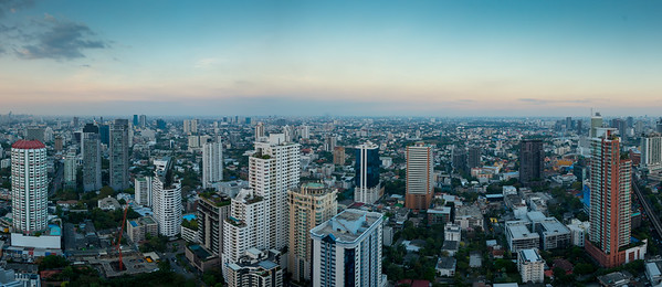 Panoramic 360º from Octave Rooftop Lounge & Bar of Bangkok Marriott Hotel Sukhumvit, Bangkok, Thailand located on the 45th floor. This luxury hotel is set in the posh Thonglor district.