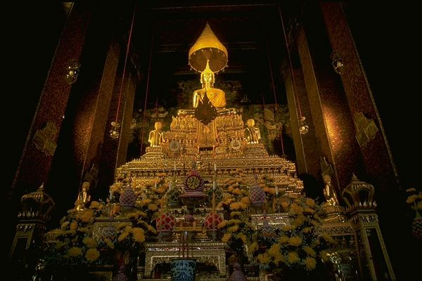 Chaing Mai temple Golden Buddha, Thailand