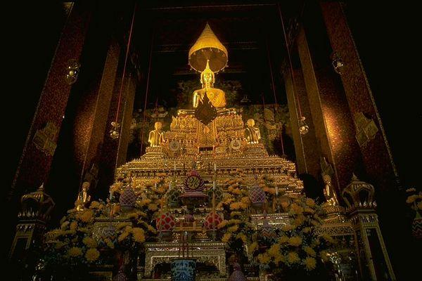 Chaing Mai temple Golden Buddha, Thailand