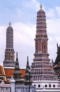 Wat Po stupas