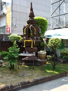 There are little shrines to buddhah everywhere.