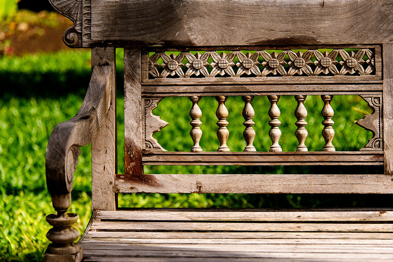 windy Cliff Garden Bench