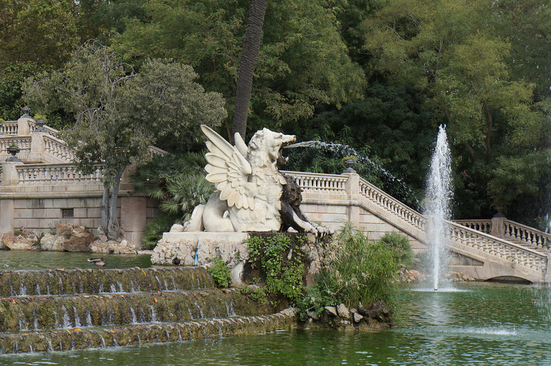 The fountains and gryphon at Parc de la Ciutadella.