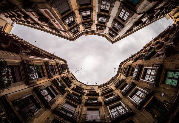 Carrer de Milans, Barcelona