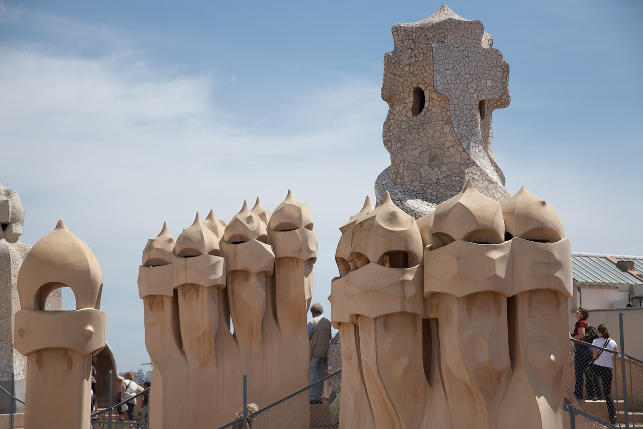 Here are some of the interesting shapes atop Casa Mila. Yan is reminded of the stormtroopers from Star Wars.