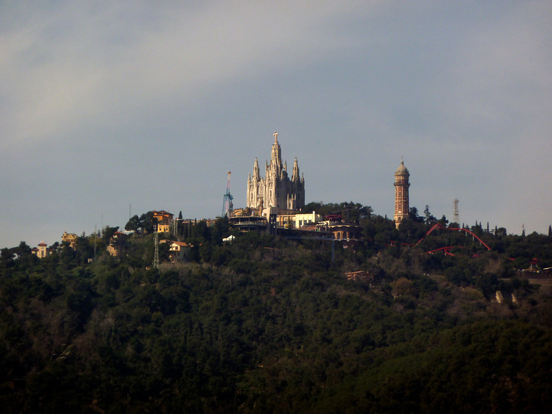 Looking out towards Tibidabo - made quasi-famous in Vicky Christina Barcelona. That's an amusement part twisting around that church.