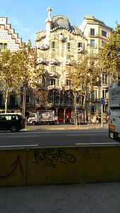 Out strolling along Paseig de Gracia, snapping pictures of Gaudí's fanciful architecture.
