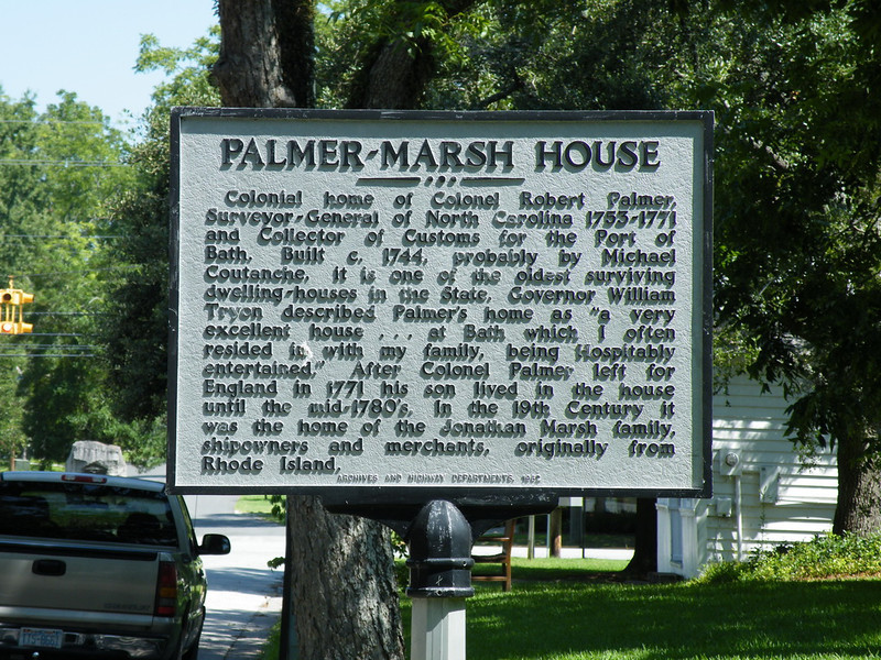 Historical marker in the town. This describes the house in the next picture.