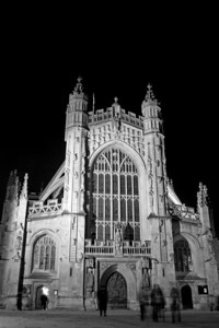 I work in Bath so really should use it more. This is one of the few shots I like - the Abbey at night with a slow shutter to get nice ghostly people in the foreground