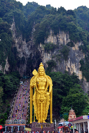 Batu caves - Murugan, limestone and monkeys
