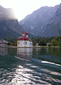 Passing St. Bartholomew towards the town of Königsee.