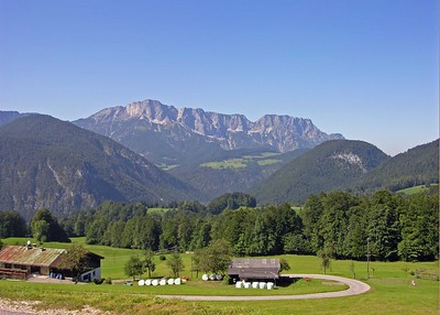 View of mountains on the way up to Obersalzburg.