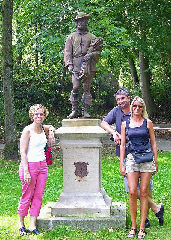 Jodi, Hermann and Martina in front of Herr Dinkelbauer, founder of Dinkelsbuhl.
