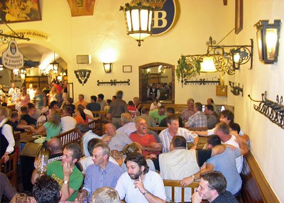 Crowds singing at the Hofbräuhaus.