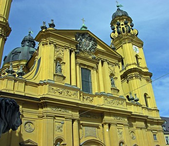 Another view of the Theatinerkirche.