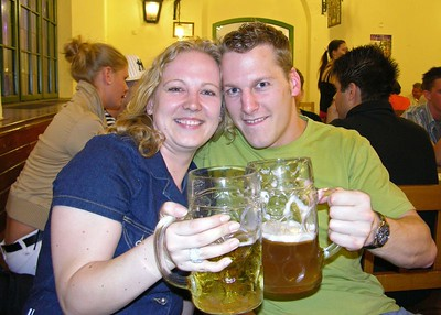 Micheala and Heine at the Hofbräuhaus.