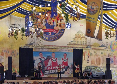Tucher Beer Tent with traditional German songs from Die Jungen Zillertaler.