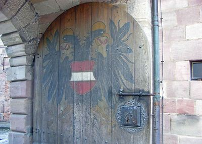 Oak door to the Kaiserburg courtyard.