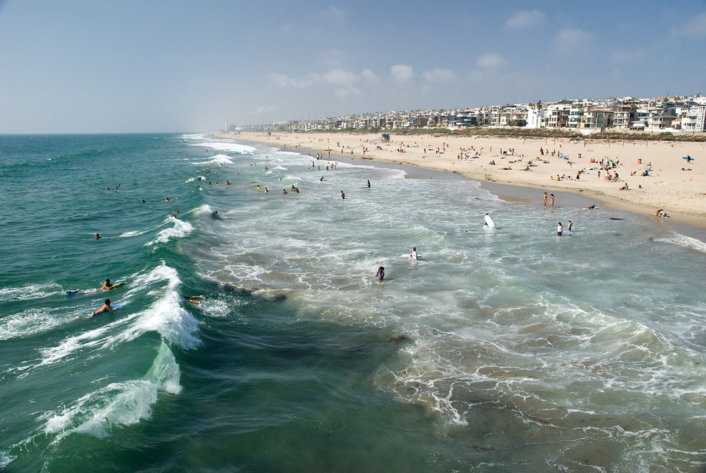 Big waves, surfers' paradise...