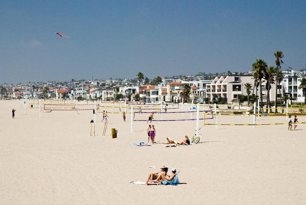 A relaxing spot on Redondo Beach.
