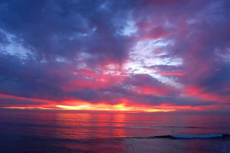 Brilliant sunset along Sunset Cliffs Boulevard in Point Loma, San Diego.