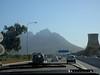 vom Flughafen nach Kapstadt rein, re. Kohlekraftwerk