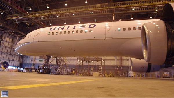Watch as the slide deploys on this 757-200