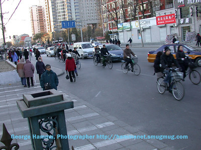 Traffic on YongDing Road, in front of the hotel.