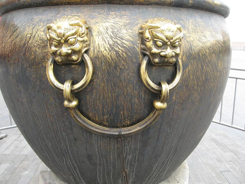 Nice knockers!