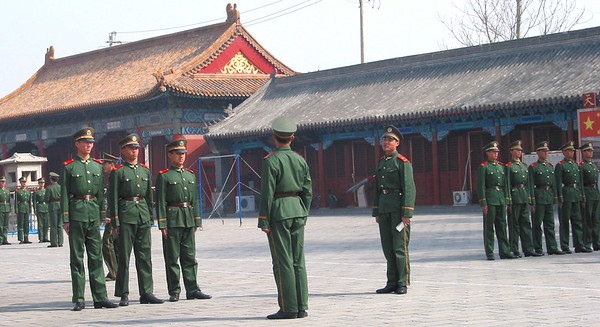 forbidden palace soldiers2.jpg