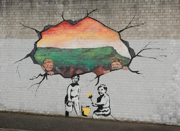 Mural, Falls Road, Belfast, 7 May 2009 3