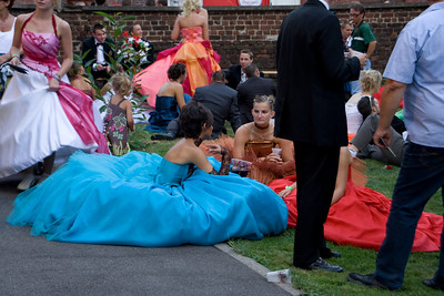 Herrmalle.Fallen flowers. Actually they are just taking a beer break, although all the beer breaks probably make it harder to keep dancing until midnight.This was the night for the young adults to dance. They are all in prom wear.
