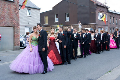 Herrmalle.The prom-enadors get ready to march.