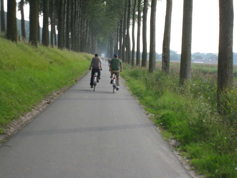 Bruges - the scenic bicycle ride back from Damme.