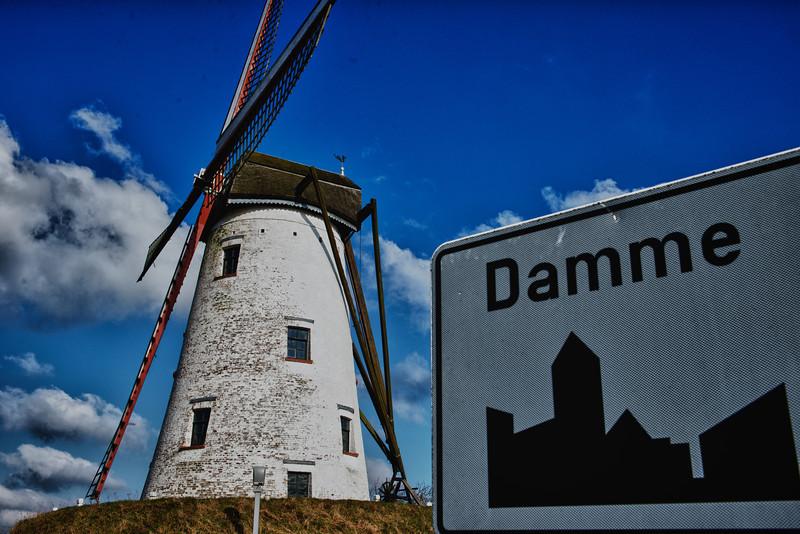 'Schellemolen' windmill (1867) along the Damme canal - Damme - West Flanders - Belgium<br /> <br /> Molino de viento 'Schellemolen' (1867) - Damme - Flandes Occidental - Bélgica<br /> <br /> Windmühle 'Schellemolen' (1867) entlang des Kanals - Damme - Westflandern - Belgien <br /> <br /> Moulin à vent 'Schellemolen' (1867) le long du canal de Damme - Damme - Flandre Occidentale - Belgique<br /> <br /> Schellemolen (1867) langs de Damse vaart - Damme - West-Vlaanderen - België