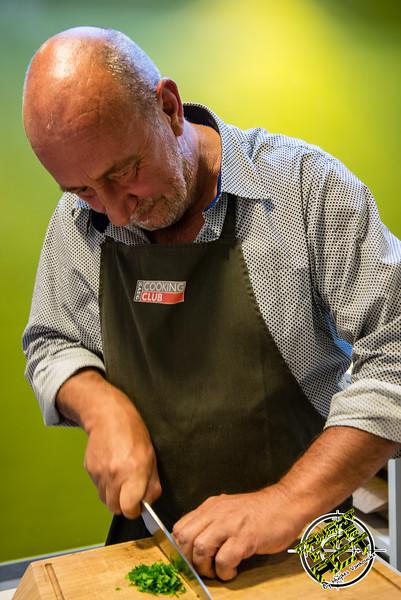 Geert 'Bossie' Bostyn aan het werk - Revelatio Kookstudio - Elverdingestraat 55 - Ieper - West-Vlaanderen