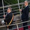 Burgemeester Crabbe van Nieuwpoort naast Minister-President van de Vlaamse regering Geert Bourgeois