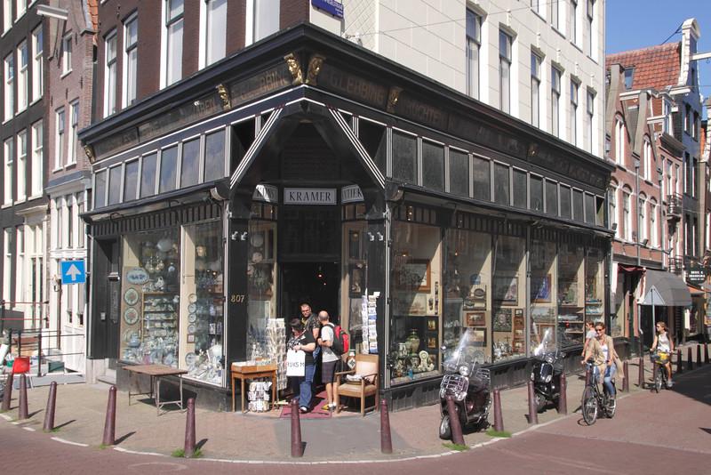 Kramer Kunst and Antiek antique shop Prinsengracht Amsterdam