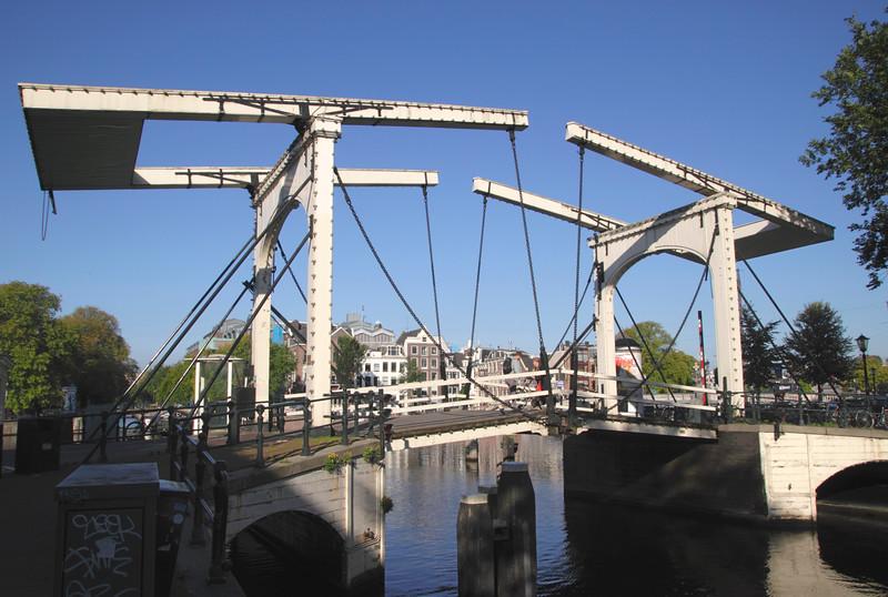 Walter Sueskind drawbridge Amsterdam Holland