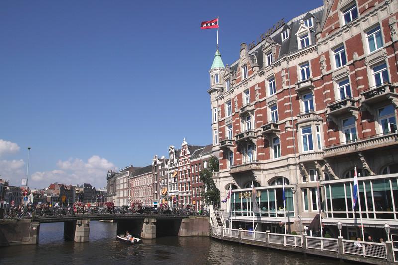 River Amstel Amsterdam Hotel De l'Europe on right