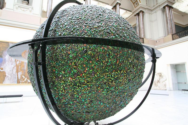 Globe o' beetles!